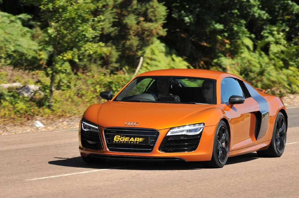 Audi R V Driving Experience From Th Gear - Audi r8 pictures